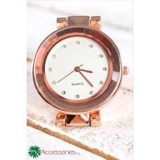 Елегантен дамски часовник в розово злато