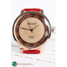 Дамски часовник с червена каишка и корпус в златисто